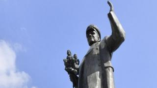 Памятник Коневу
