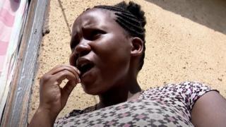 النيجيرية يريندا ناجينا يجعلها الحمل ترغب في أكل غير عادي