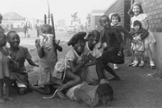 Children on the border between Fietas and Mayfair, Johannesburg, circa 1959.