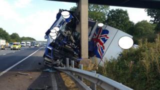 Lorry crashes into motorway bridge