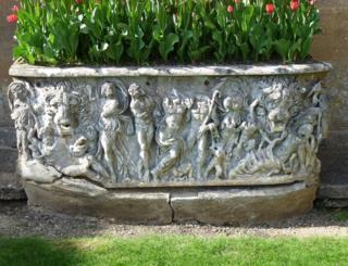 Plant pot / Roman sarcophagus