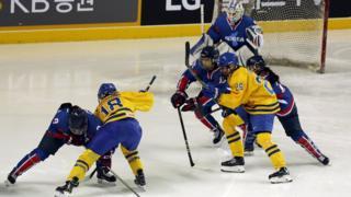 هاکی روی یخ دو کره با سوئد