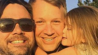 Ендрю Елфорд і Джеффрі Норберг зі своєю дочкою