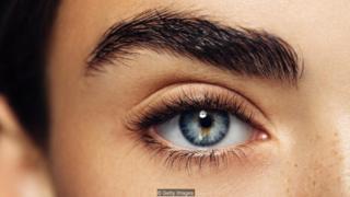 Bằng chứng gần đây cho thấy vòng mống mắt thường là rõ nét hơn ở người trẻ, khỏe mạnh