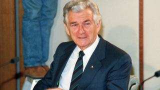 icture dated 03 June 1991 of Australian Prime minister Bob Hawke speaking at a press conference after his victory over deputy Prime minister Paul Keating in a leadership vote by the ruling Labor party caucus in Sydney.