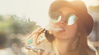 سيجارة إليكترونية