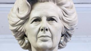 Статуя маргарет Тэтчер