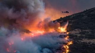 ไฟป่าหลายจุดขยายตัวลุกลามเป็นบริเวณเดียวกัน