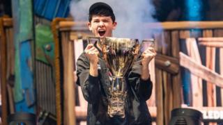 ربح كايل جيرسدورف الملقب ببوغا يفوز في كأس العالم في لعبة دوتا 2 الالكترونية التي أقيمت الشهر الماضي