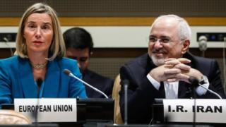 Federica Mogherini (L), European Union's High Representative for Foreign Affairs and Security Policy, and Iran's Foreign Minister Mohammad Javad Zarif