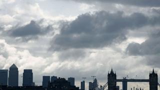 Небо надо Лондоном