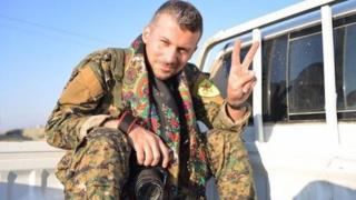Mehmet Aksoy YPG üniformalı