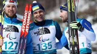 Віталій Лук'яненко (в центрі) і Анатолій Ковалевський (праворуч) після гонки на 7,5 км