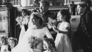 梅根和哈里纪念结婚一周年