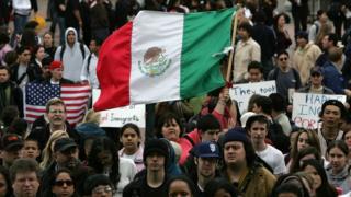 La mitad de los migrantes no autorizados en Estados Unidos proceden de México.