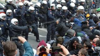 Police use pepper spray against protesters demonstrating against the closure of borders on the Italian-Austrian border (03/04/2016)