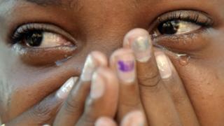 சிறுமிகளின் பெண் உறுப்பு சிதைப்பு: இந்தியாவின் கசப்பான உண்மைகள்