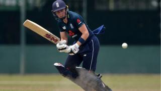 England-captain-Heather-Knight