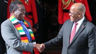 Rais Mnangagwa na rais John Magufuli
