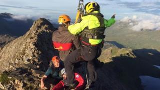 Two men are rescued from Crib Goch by Llanberis MRT