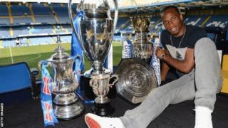 Akina muri Chelsea, Drogba yatsindiye ibikombe birimo bine bya Premier League, bine bya FA Cup n'igikombe cya Champions League