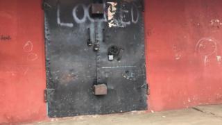 De local traders say dem do de lockdown so say government go enforce de law wey dey stop foreigners from de retail market.