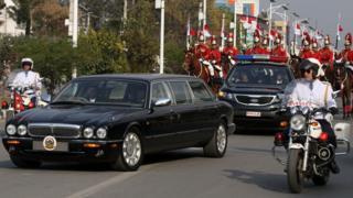 राष्ट्रपति भण्डारी संसद जाँदै