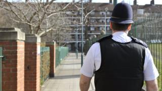 met police will 39 scale back 39 services if numbers drop bbc news. Black Bedroom Furniture Sets. Home Design Ideas