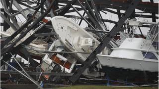 Узбережжя техасу, що постраждило від урагану, може зазнати другого удару від шторму і високого припливу