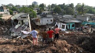 Bencana longsor telah memakan banyak korban jiwa yang tinggal di 'kota-kota sampah' seperti di tempat pembuangan sampah Payata di Manila.