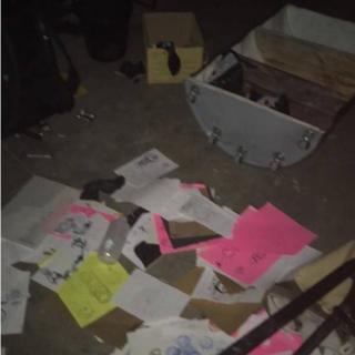 Фото обшуків, оприлюднені адміністрацією Jugendhub. Керівництво клубу заявляє, що правоохоронці застосовували проти відвідувачів неправомірну силу