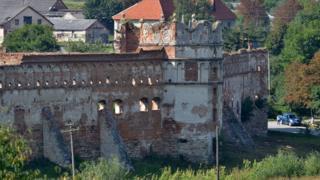 Восточная башня Старосельского замка