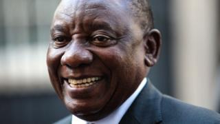 Rais wa Afrika Kusini Cyril Rakizungumza na vyombo vya habari baada ya kukutana na waziri mkuu wa Uingereza Theresa May April 17 2018 London, England.