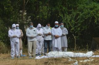 coronavirus victim burial in India