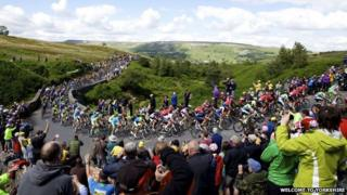 Crowds in Yorkshire on stage 1 of the Tour De France