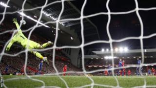 Ciyaartii Liverpool iyo Man United