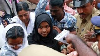 هادیجه جهان ۲۰ ساله در یک خانواده هندو متولد شد
