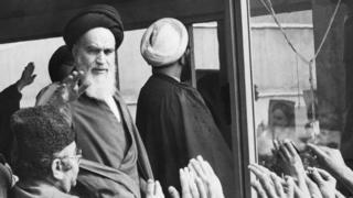 خمینی تہران میں