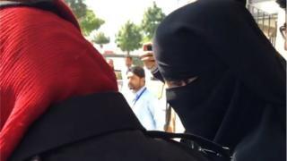 و ہندو بہنوں کے مبینہ اغوا اور جبری طور پر مذہب قبول کرنے کے کیس