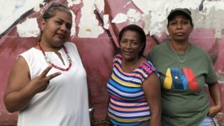 Tres mujeres.