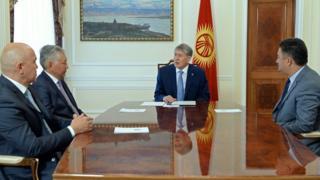 Алмазбек Атамбаев парламенттик көпчүлүк коалиция