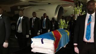 Le corps d'Étienne Tshisekedi doit être emmené dans une morgue de Kinshasa, avant d'être exposé vendredi au stade des Martyrs, puis d'être inhumé samedi à la Nsele.