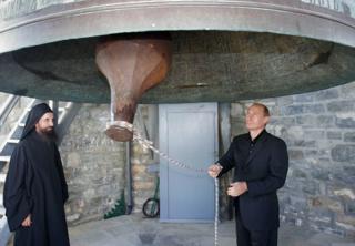Путин бывал на Афоне дважды (на фото - во время первого визита в 2005 году)