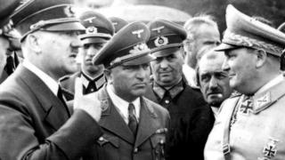 Hitler (L) with Hermann Göring (R) at the Wolf's Lair in 1942