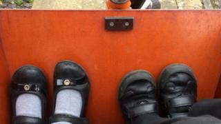 feet in bakfiets