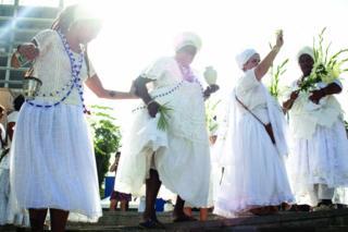 Baile local en Cais do Valongo