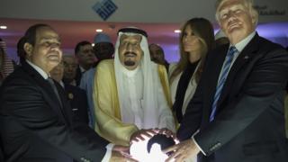 Misir prezidenti Abdul Fəttah əl-Sisi, Səudiyyə kralı Salman və ABŞ prezidenti Donald Trump - Ər-Riyad, 21 May 2017