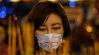 Perempuan di Wuhan, China
