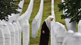 , Boris Johnson urged to apologise for Srebrenica comments