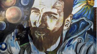 Местный художник перед свадьбой украсил портретом Месси стену в Росарио